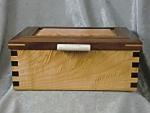 Lidded Box Walnut Maple