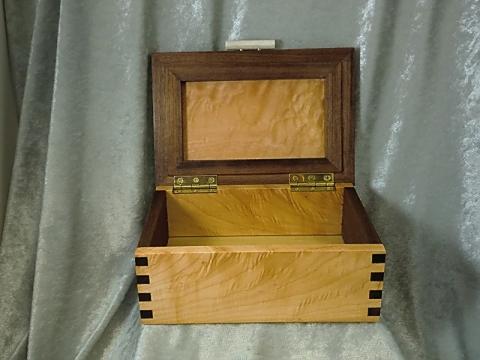 Hinged Lidded Box